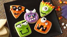 Forget the candy--kids are going to love these Wacky Monster Cookies for a Halloween treat. Set the scene with baked Pillsbury sugar cookies, frosting and decorations, and let the kids use their imaginations to bring these funny faces to life. Halloween Desserts, Postres Halloween, Recetas Halloween, Fete Halloween, Halloween Goodies, Holidays Halloween, Halloween Treats, Happy Halloween, Halloween Costumes