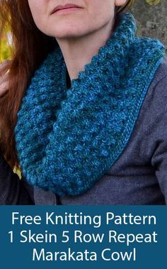 Free Knitting Pattern for Easy 5 Row Repeat One Skein Marakata Cowl - Cozy squis. Free Knitting Pattern for Easy 5 Row Repeat One Skein Marakata Cowl - Cozy squishy cowl worked in the round with a 5 row. Easy Knitting Patterns, Shawl Patterns, Loom Knitting, Knitting Stitches, Free Knitting, Knitting Projects, Infinity Scarf Knitting Pattern, Knitting Tutorials, Knitting Machine