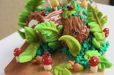 Green and Pink Woodland Animals Party | CatchMyParty.com
