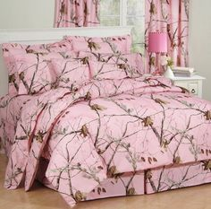 Realtree Pink Camo Bedding is for those who like realistic woods and forest looking camouflage pattern with soft pink and bronze colors.