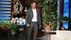 Hugh Jackman Helps The Audience Get Lucky #HughJackman
