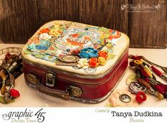World's Fair suitcase by Tanya Dudkina. So gorgeous! Click to find tutorial #graphic45