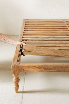 Bohemian platform bed frame beds pertaining to boho ideas. Murphy Bed Ikea, Murphy Bed Plans, Wood Pallet Beds, Wood Beds, Horizontal Murphy Bed, Diy Bett, Modern Murphy Beds, Bed Platform, Wooden Platform Bed