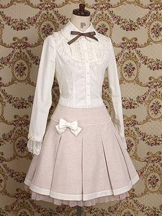 Autumn Classic Lace and Bow Lolita Dress Kawaii Fashion, Lolita Fashion, Cute Fashion, Fashion Coat, Asian Fashion, Womens Fashion, Victorian Fashion, Vintage Fashion, Vintage Dresses
