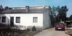 fisco vende hoje casa de família por dívida de 1900 euros: A casa onde vive com três filhos e duas netas vai hoje a leilão por uma dívida do Imposto Único de Circulação.