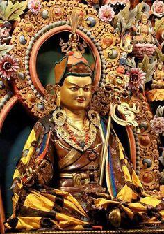 Guru Rinpoche Tibetan Symbols, Tibetan Art, Tibetan Buddhism, Buddhist Art, Buddha Zen, Gautama Buddha, Salvador, Vajrayana Buddhism, Tantra