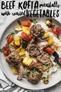 Beef Kofta Meatballs with Roasted Vegetables are the perfect well-rounded easy dinner or meal prep to keep you fed and happy throughout the week. (Omit rice to make it lower carb. Vegetable Recipes, Meat Recipes, Cooking Recipes, Healthy Recipes, Online Recipes, Cooking Games, Barbecue Recipes, Barbecue Sauce, Grilling Recipes