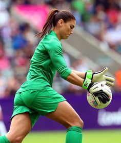 Hope Solo is a goalkeeper in the sport of soccer and has achieved fame through her achievements in both the international and domestic games. Hope Solo, Female Football Player, Good Soccer Players, Girls Soccer, Play Soccer, Solo Soccer, Nike Soccer, Soccer Cleats, Fifa