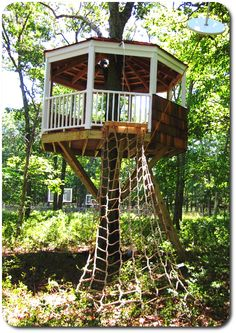 A simple yet elegant azek treehouse / platform with a zip line and cargo net built near the south Long Island cost.