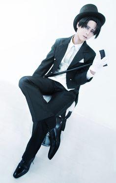 Levi(Attack on Titan) Levi Cosplay, Anime Cosplay, Cosplay Makeup, Cosplay Costumes, Best Cosplay Ever, Attack On Titan Levi, Bishounen, Japanese Manga Series, Levi Ackerman