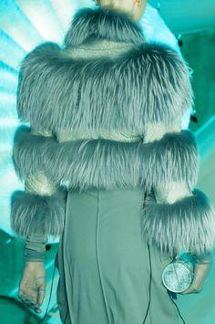 Jean Paul Gaultier at Paris Fashion Week Fall 2014 - Details Runway Photos Pantone Turquoise, Pantone Color, Fur Fashion, Green Fashion, Paris Fashion, Runway Fashion, Garden Pictures, Tiffany Blue, Jean Paul Gaultier