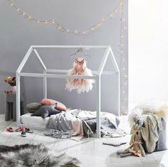 lit maison en bois pour enfant