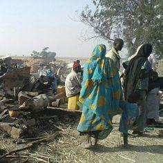 Environ 90 personnes ont été tuées lorsque le 17 janvier dernier, un avion militaire nigérian a survolé deux fois la ville de Rann avant de lâcher deux bombes. Rann se situe proche de la frontière avec le Cameroun et accueille des milliers de personnes déplacées. Au moment de l'attaque, les équipes de MSF étaient en train de donner des consultations médicales, de vacciner les enfants contre la rougeole et de dépister les cas de malnutrition. ©MSF  #MSF #DoctorsWithoutBorders #Nigeria #Rann…