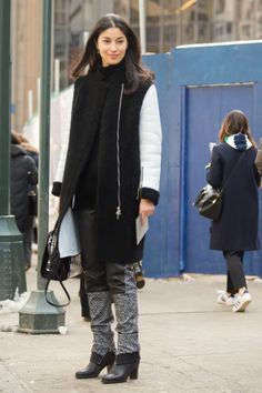 Caroline Issa was city-chic in black and white.  Source: Melodie Jeng/The NYC Streets