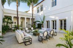 Atrium Courtyard :: Italian style villa