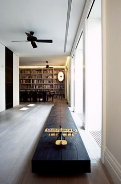love this wooden ...bench?...runway...awesome....