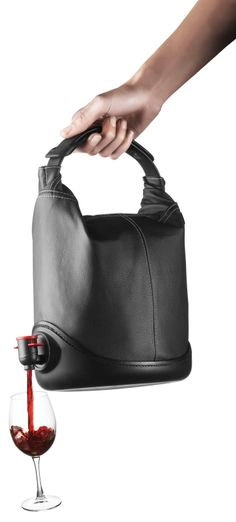 Wine purse // Carry your wine-to-go on tap, bring along to picnics, parties, the beach... Genius! #product_design