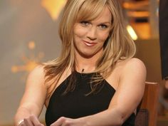 """Actress Jennie Garth is returning to the television comedy world with the sitcom """"Mystery Girls"""" which she will star in with Tori Spelling. Description from mobile.fansshare.com. I searched for this on bing.com/images"""