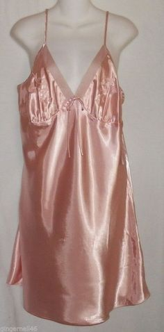 Night Gown Size 1X Pink  New  Above Knee Delta Burke