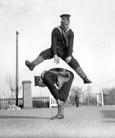 denisebefore:  Royal Navy anti-gas training school vanderson 1934