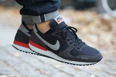 //\\ Nike Air Vortex Retro