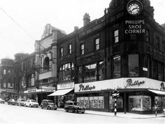 View of Briggate showing the Empire Palace Theatre in the centre, once a popular music hall and now the site of Harvey Nichol's department store. Description from leodis.org. I searched for this on bing.com/images