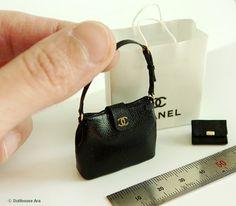 Dollhouse Miniatures (CN02) Artisan handmade designer purse handbag 1/12