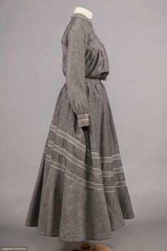 North America's auction house for Couture & Vintage Fashion. 1800s Fashion, Edwardian Fashion, Retro Fashion, Vintage Fashion, Edwardian Dress, Edwardian Era, Victorian Era, Art Nouveau, Belle Epoque