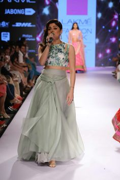 Anushree Reddy Debuts her Collection at Lakme Fashion Week Summer 2015 Indian Attire, Indian Wear, Bride Indian, Indian Style, Bollywood Celebrities, Bollywood Fashion, Bollywood Actress, Indian Dresses, Indian Outfits