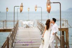 Thành phố biển Nha Trang – thiên đường chụp hình cưới Cũng giống như nhiều thành phố biển khác ở Việt Nam. Thành phố Nha Trang có vẻ đẹp hiền hòa thơ mộng. Nơi hội tụ đầy đủ các yếu tố thiên nhiên, cảnh vật, con người sẽ mang đến cho các cặp đôi những trải nghiệm thú vị nhất. Thành phố Nha Trang sở hữu rất nhiều địa điểm thích hợp chụp hình cưới ngoại cảnh. Đến đây, bạn sẽ có nhiều cung bậc cảm xúc đan xen, lúc êm đềm lúc mãnh liệt, giống như cảm xúc trong [...]