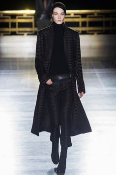 Foto HAAW2014 - Haider Ackermann Autumn-Winter 2014 (16) - Shows - Fashion - GLAMOUR Nederland