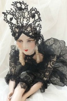 ANTIQUE FRENCH BOUDOIR DOLL CABARET.PARIS C.1920 SILK.FASHION DOLL SHOWGIRLS