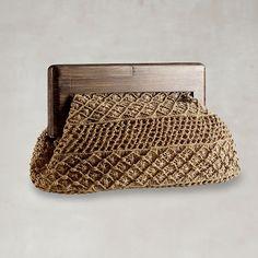 Outstanding Crochet: Irish Crochet dress and Macrame clutch from Ralph Lauren. Bag Crochet, Crochet Clutch, Crochet Purses, Crochet Gifts, Macrame Purse, Macrame Jewelry, Micro Macramé, Small Shoulder Bag, Knitted Bags