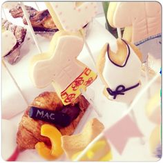 Oggi facciamo colazione in #piscina! #Breakfastdesign#themedBreakfast#Summer#Sea#Summer#Breakfast#swimwear#icedCookies#PoolParty#summerBreakfast##colazione#bikini#beach#biscuits#Croissant#SwimmingPool##pool#swimsuit#Sessaspecialeventandcakes #Sessaspecialeventandcakes #July#Luglio#Sea#mare#Holiday#Muffin#ribes#Albicocca#FreshFruits##kiwi#Sfogliatella #donuts#PoolCake##summerCake#sessaspecialcakes#Sessapasticceria#party#SummerParty#swimwear #bikini#SwimwearCookies#bikiniBiscuits