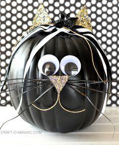 DIY Faux Decorated Pumpkins #diypumpkins #MPumpkins #catpumpkins #halloweenpumpkins