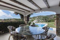 Красивая вилла с видом на море, недалеко от центра Плайя де Аро - Коста Брава Sotheby 's International Realty