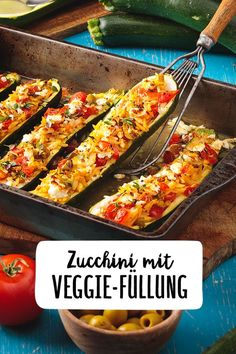 Stuffed zucchini - Zucchini with veggie filling Zucchini stuffed with vegetable. - Stuffed zucchini – Zucchini with veggie filling Zucchini stuffed with vegetables and baked with - Easy Dinner Recipes, Gourmet Recipes, Mexican Food Recipes, Easy Meals, Healthy Recipes, Turkey Recipes, Vegetable Recipes, Tartiflette Recipe, Gluten Free Puff Pastry