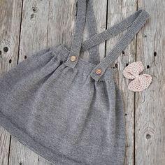 """759 Likes, 27 Comments - @frokenstrikkepinne on Instagram: """"#knittingforolive #klompelompe @knittingforolive #blåbærbluse #barnestrikk #jentestrikk…"""""""