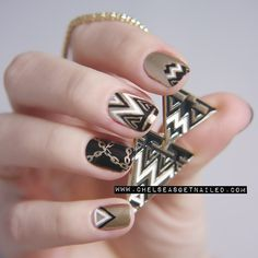 Necklace Inspired Nails