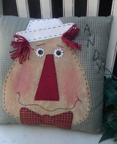 Sewing Pillows Raggedy Andy Applique Pillow E Pattern - Applique Pillows, Sewing Pillows, Applique Patterns, Diy Pillows, How To Make Pillows, Decorative Pillows, Primitive Pillows, Primitive Crafts, Patch Quilt