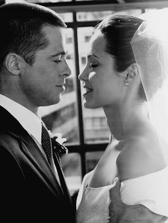 Mr. & Mrs. Smith,Directed by Doug Liman. With Brad Pitt, Angelina Jolie, Vince Vaughn, Adam Brody(2005)