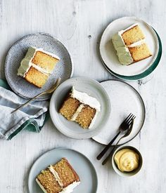 Brown butter cake with lemon curd filling