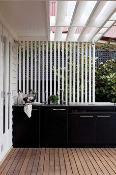 Outdoor rooms are perfect for summer entertaining areas - make them beautiful with decorative outdoor screens are an attractive and versatile solution. Outdoor Bbq Kitchen, Outdoor Kitchen Design, Outdoor Kitchens, Outdoor Screen Panels, Alfresco Area, Outdoor Living Rooms, Up House, Outdoor Areas, Outdoor Decking