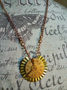 Steampunk necklace with gears and brass di HekateAtelier su Etsy
