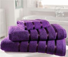 purple bath towels......gorgeous !!