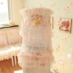 Pink rose lace dispenser cover  Price: IDR 110.000  For Order : Pin bb : 5279D5D2 Line : etfelicel1 WA : 085216016388 Ig : instagram FB : www.Facebook.com/etfelicel.shop www.etfelicel.com