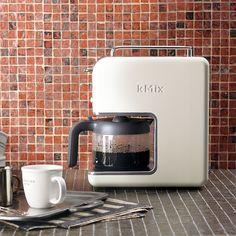 スターバックス コーヒー ジャパンのデロンギ ドリップコーヒーメーカー CMB6-EGについてご紹介します。