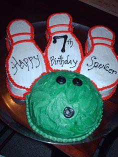 Bowling Birthday Kids Birthday Themes, 6th Birthday Parties, 8th Birthday, Bowling Birthday Cakes, Party Party, Party Ideas, Soldier Party, Bowling Party, Having A Blast