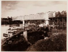Albury Bridge connecting New South Wales and Victoria ij the 1890s.