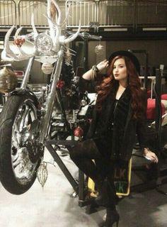 Demi Lovato long red hair